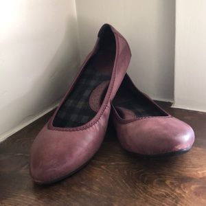 Born plum leather flats size 9.5